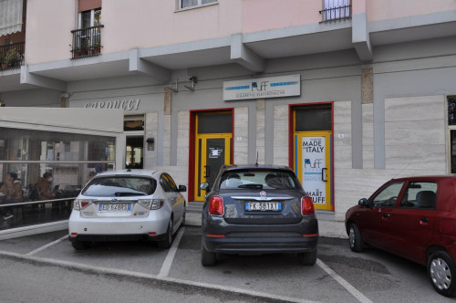 Locale Commerciale in Affitto a Grottammare