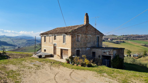 Country House for sale in Montefiore dell'Aso