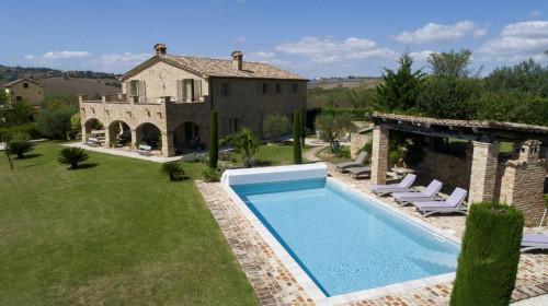 Casale Colonico in Vendita a Falerone