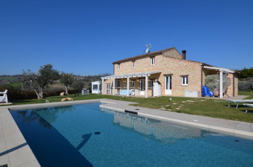 Country House for sale in Monte Vidon Corrado
