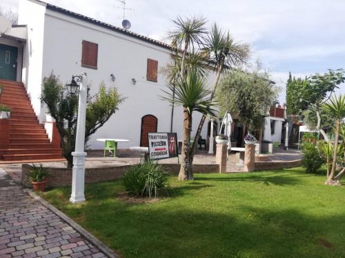 Casale Colonico in Vendita a San Benedetto del Tronto