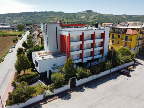 Albergo / Residence / Struttura Ricettiva in Vendita a Monteprandone