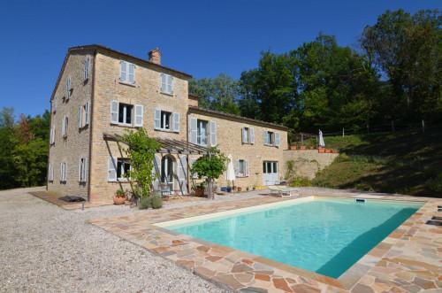Casale Colonico in Vendita a Monte San Martino