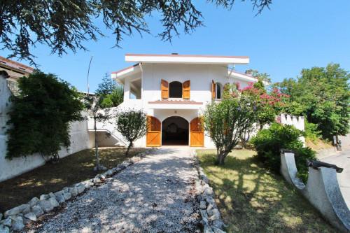Villa in Vendita a Casacanditella
