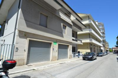 Garage / Autorimessa / Box in Affitto a San Benedetto del Tronto