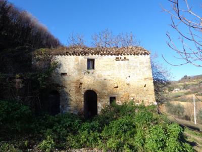 Casale Colonico in Vendita a Montefiore dell'Aso