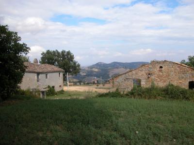 Casale Colonico in Vendita a Santa Vittoria in Matenano