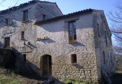Casale Colonico in Vendita a Montefalcone Appennino