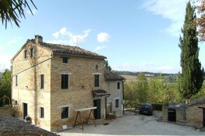Casale Colonico in Vendita a Mogliano