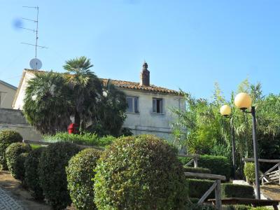 Casale Colonico in Vendita a Spinetoli