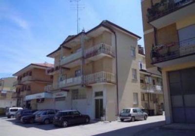 Locale Commerciale / Negozio in Vendita a Grottazzolina
