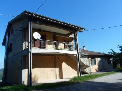 Stabile / Palazzo in Vendita a Carassai