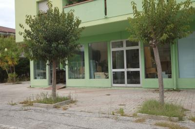 Locale Artigianale / Deposito in Vendita a Martinsicuro
