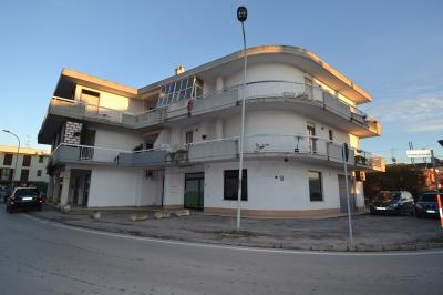 Locale Commerciale in Vendita a Monteprandone