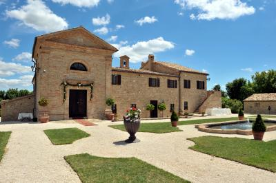 Villa for sale in Treia