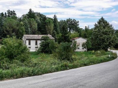 Casale Colonico in Vendita a San Ginesio