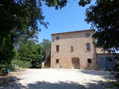 Casale Colonico in Vendita a Montedinove