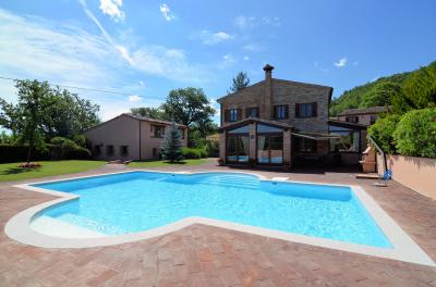 Country House for sale in Sarnano