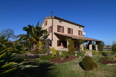 Country House for Sale in Rapagnano