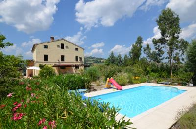Country House for sale in Santa Vittoria in Matenano