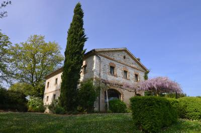 Country House for Sale to Arcevia