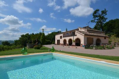 Country House for Sale in Ripe San Ginesio