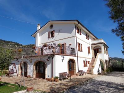 Villa for sale in Ripatransone