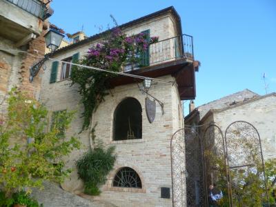 Albergo / Residence / Struttura Ricettiva in Vendita a Grottammare