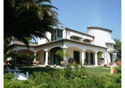Villa in Vendita a Sant'Elpidio a Mare