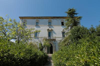 Villa for sale in Colli del Tronto
