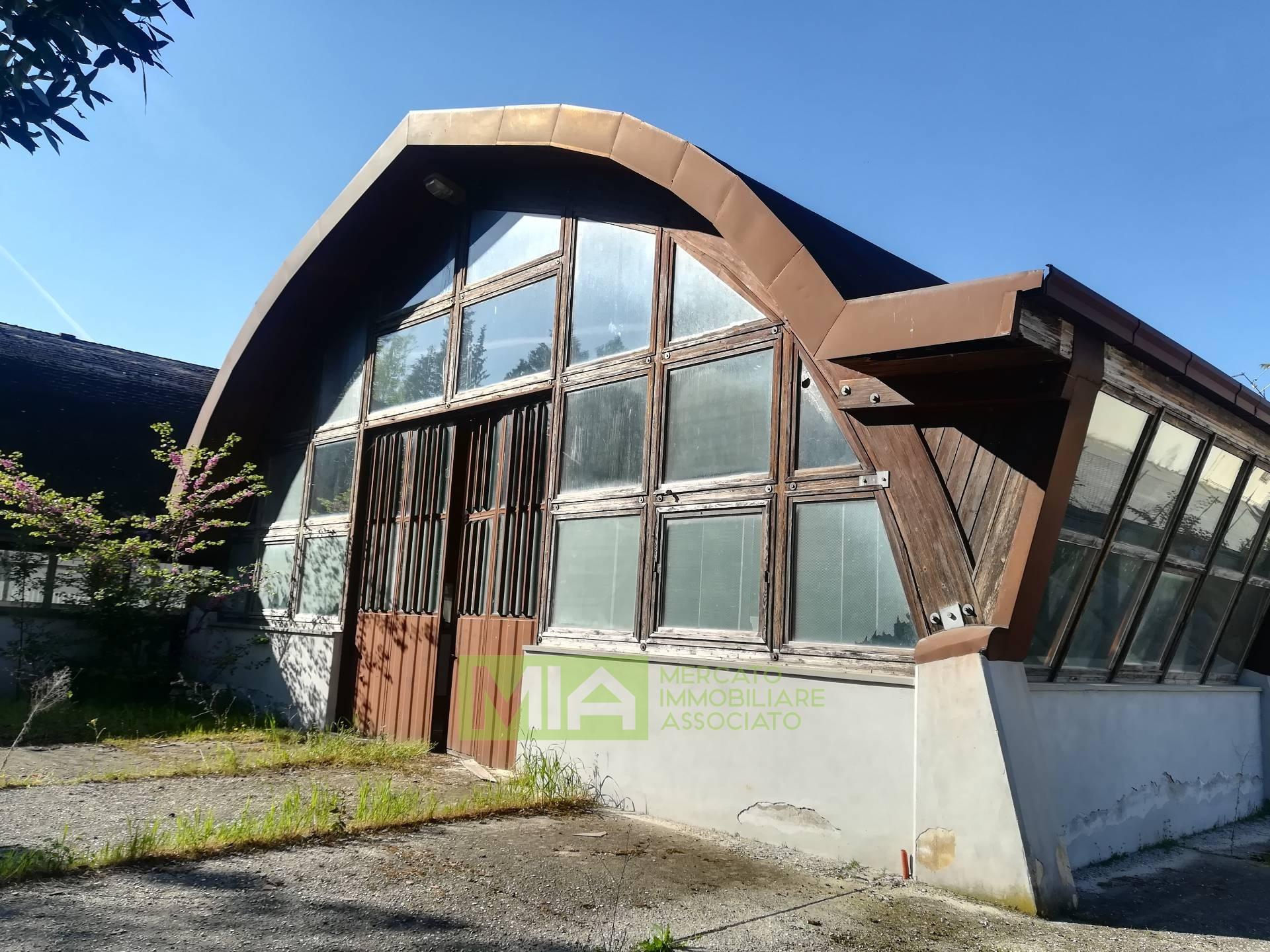 Laboratorio in vendita a Macerata, 9999 locali, prezzo € 356.500   CambioCasa.it