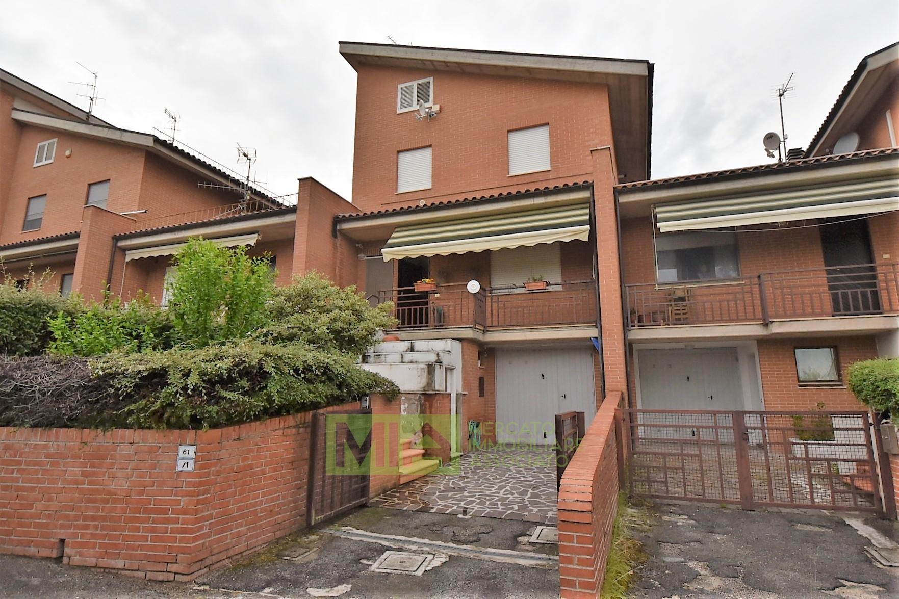 Appartamento in vendita a Sarnano, 5 locali, prezzo € 90.000 | PortaleAgenzieImmobiliari.it