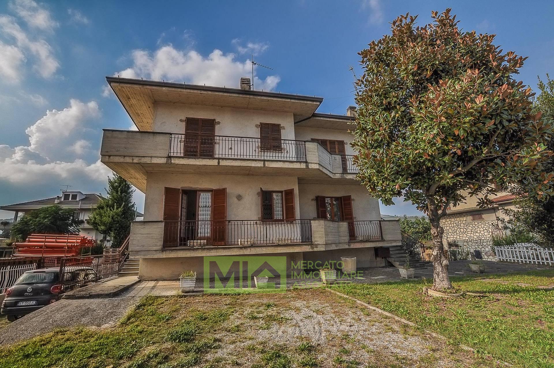 Casa indipendente in vendita a Montalto Delle Marche (AP)