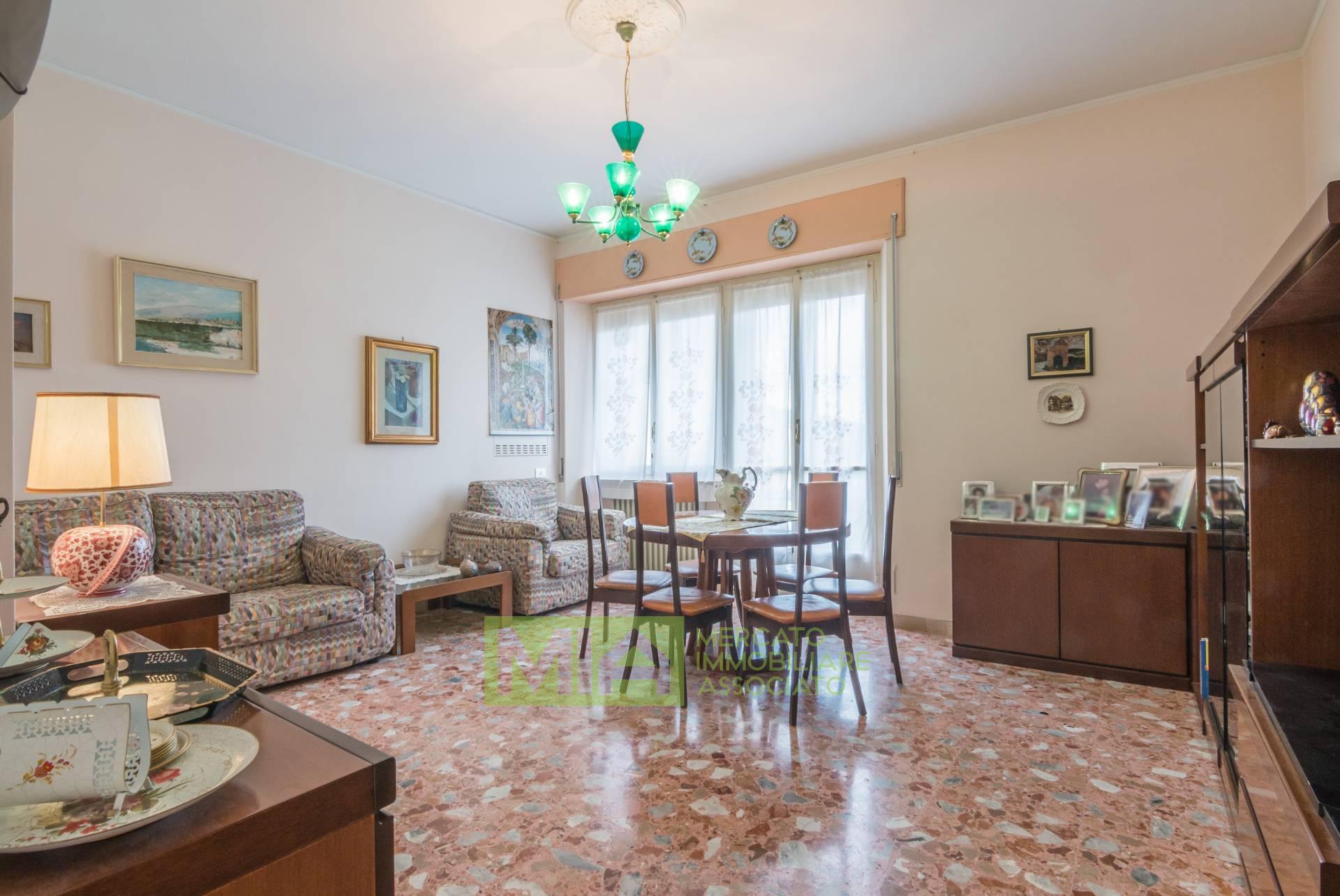 Appartamento in vendita a Cingoli, 7 locali, prezzo € 80.000 | CambioCasa.it