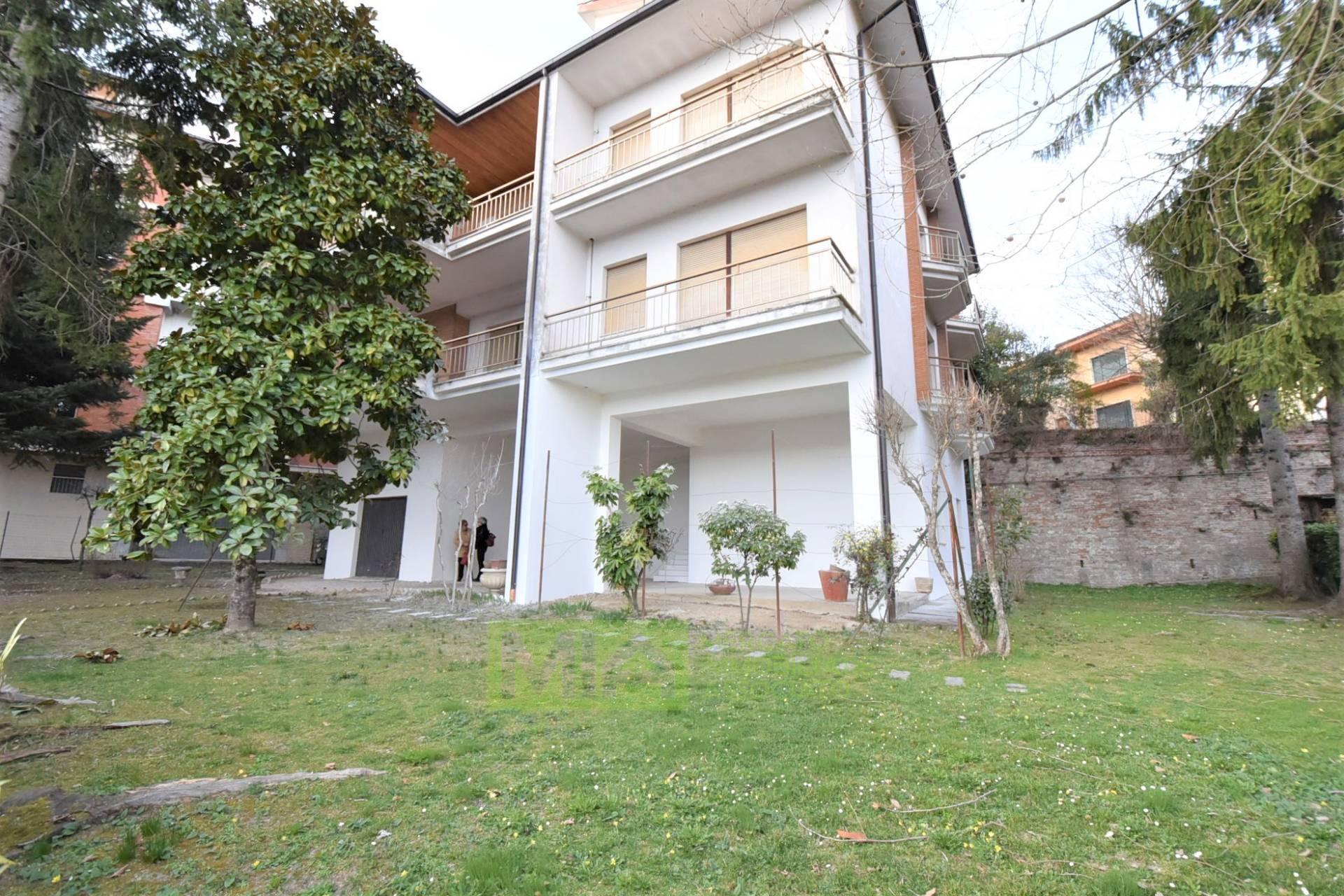 Appartamento in vendita a Amandola, 6 locali, zona Località: Centro, prezzo € 180.000   PortaleAgenzieImmobiliari.it