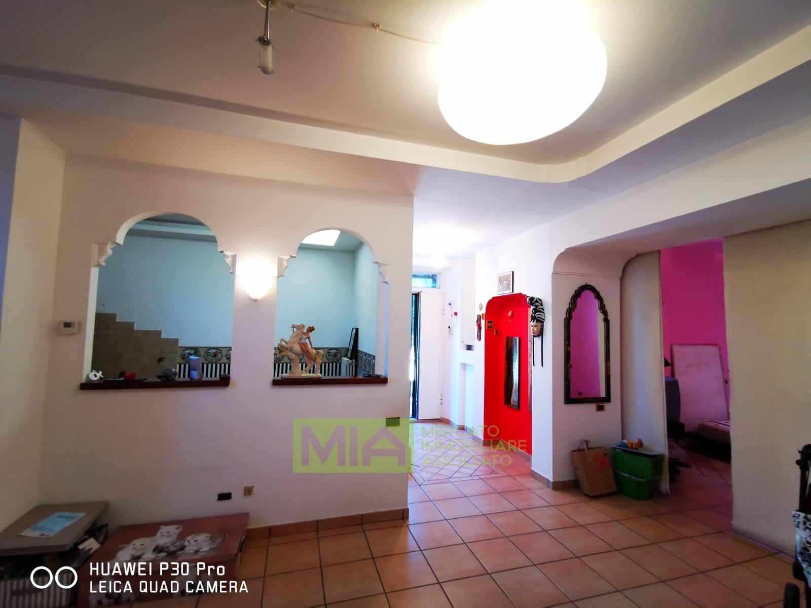 Appartamento in vendita a Macerata, 3 locali, zona Località: PACE, prezzo € 73.000 | CambioCasa.it