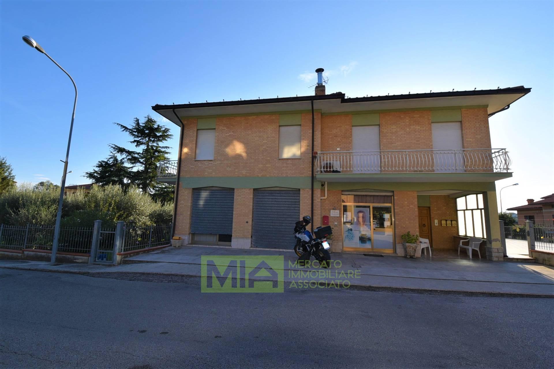 Appartamento in vendita a Servigliano, 8 locali, zona Località: Periferia, prezzo € 168.000 | PortaleAgenzieImmobiliari.it