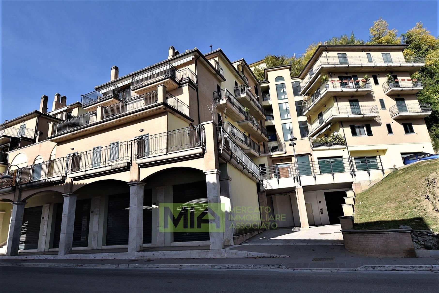 Appartamento in vendita a Amandola, 6 locali, zona Località: Centro, prezzo € 128.000   PortaleAgenzieImmobiliari.it
