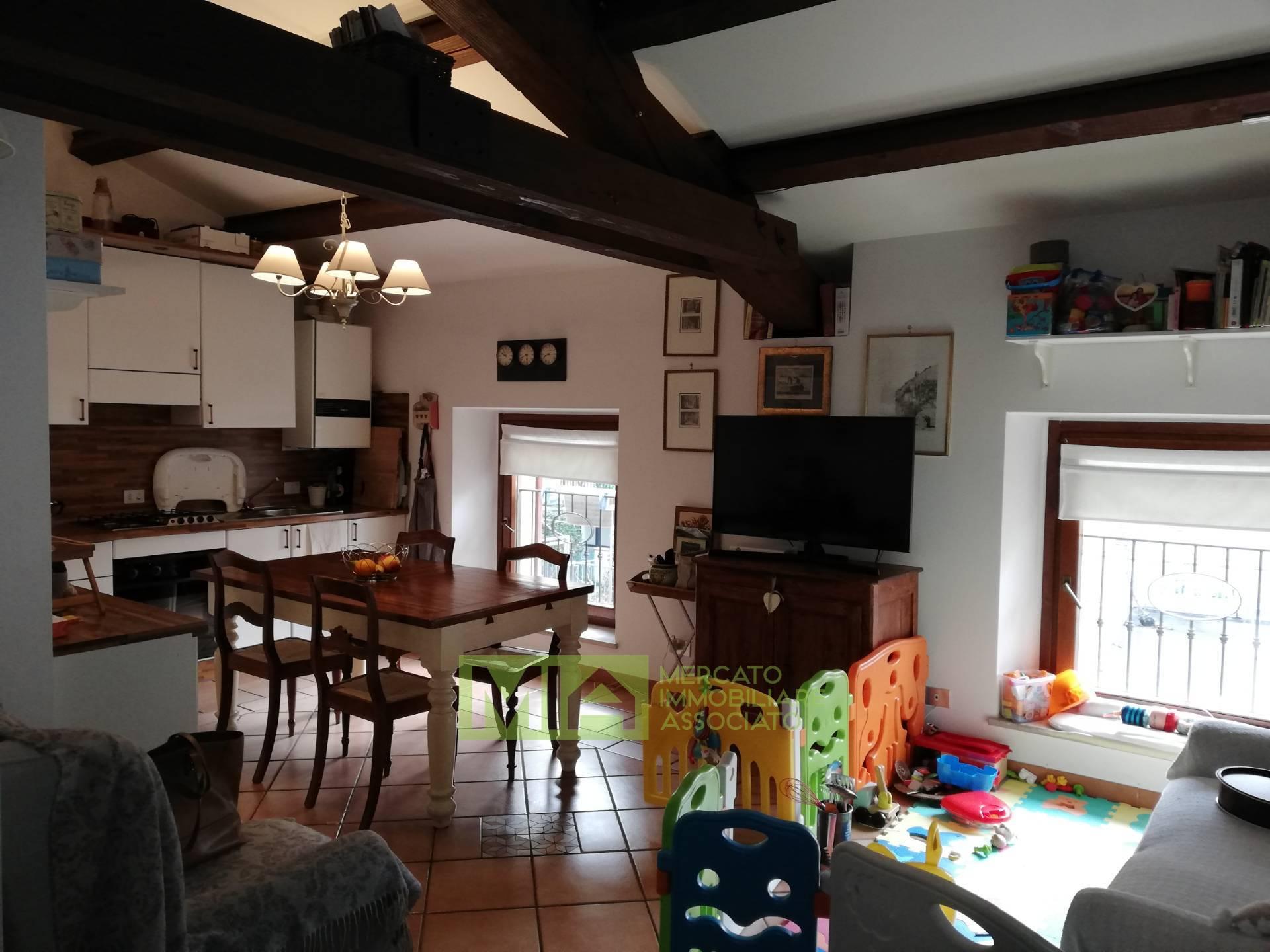Appartamento in vendita a Macerata, 3 locali, zona Località: C.SOCAIROLI, prezzo € 100.000 | CambioCasa.it