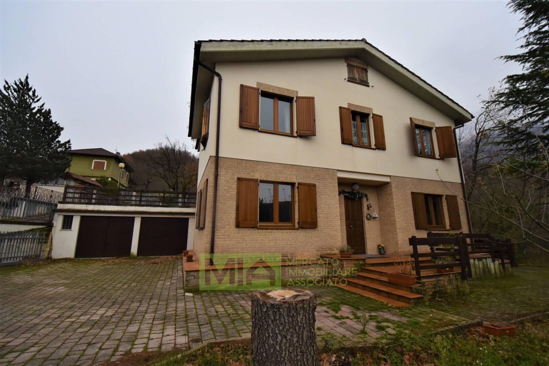 Villa in vendita a Sarnano (MC)