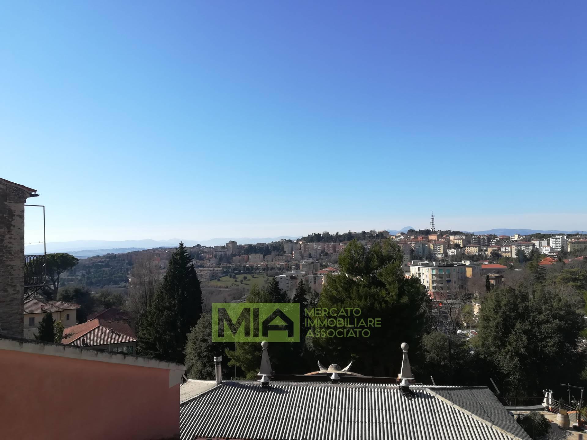 Appartamento in vendita a Macerata, 3 locali, zona Località: CENTRO, prezzo € 85.000 | CambioCasa.it