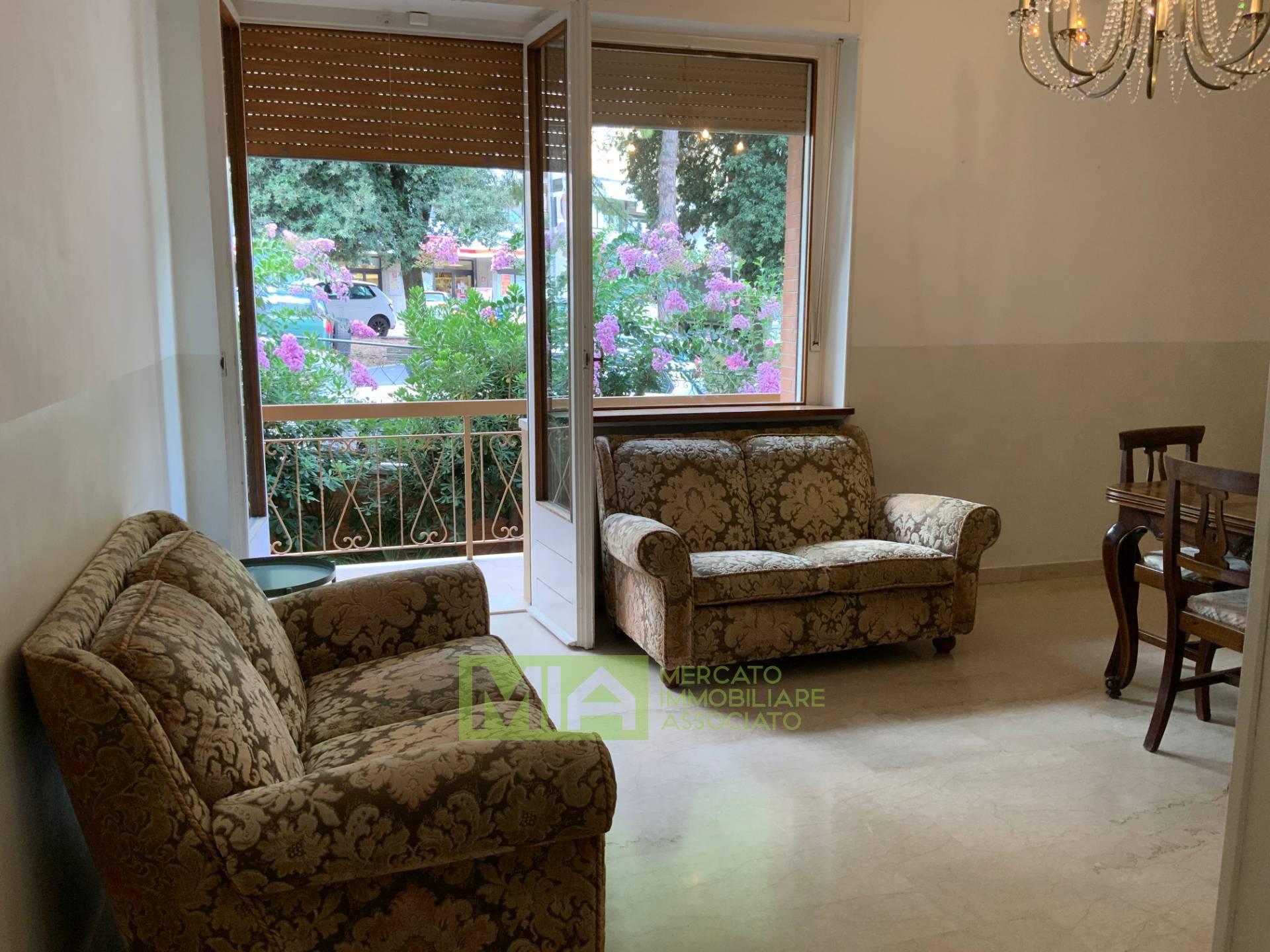 Appartamento in vendita a Macerata, 8 locali, zona Località: COLLEVERDE, prezzo € 215.000   CambioCasa.it