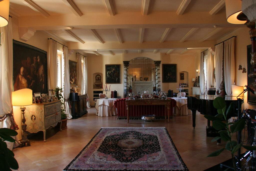 villa unifamiliare indipendente vendita fermo di metri quadrati 500