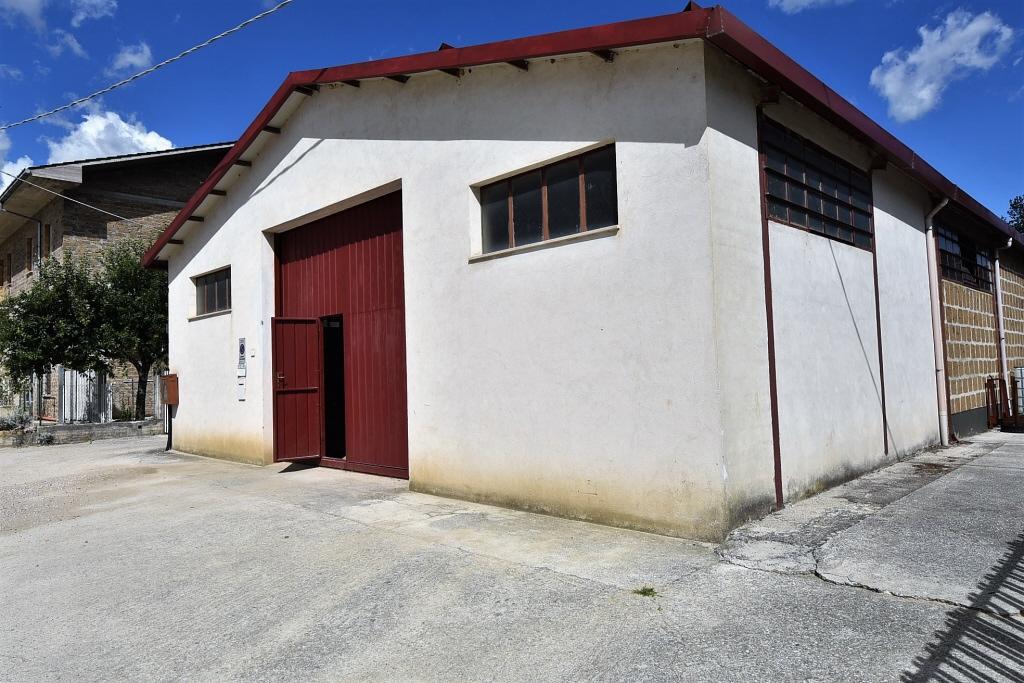 Laboratorio in vendita a Amandola, 9999 locali, zona Località: Periferia, prezzo € 150.000 | PortaleAgenzieImmobiliari.it
