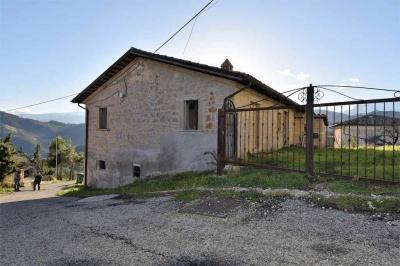 casa rústica in Vendita a Roccafluvione