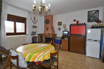 Apartment to Buy in Montefortino