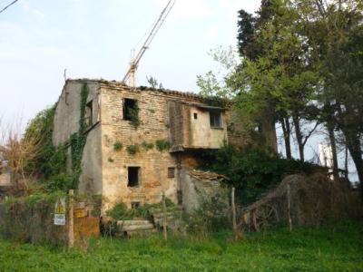 Rustico in Vendita a Macerata