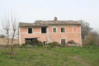 Casa colonica in Vendita a Montecosaro