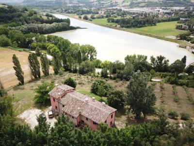 Casa cielo-terra in Vendita a Tolentino