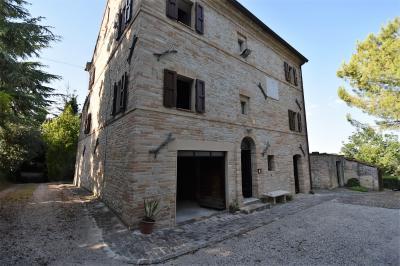 Casale in Vendita a Belmonte Piceno